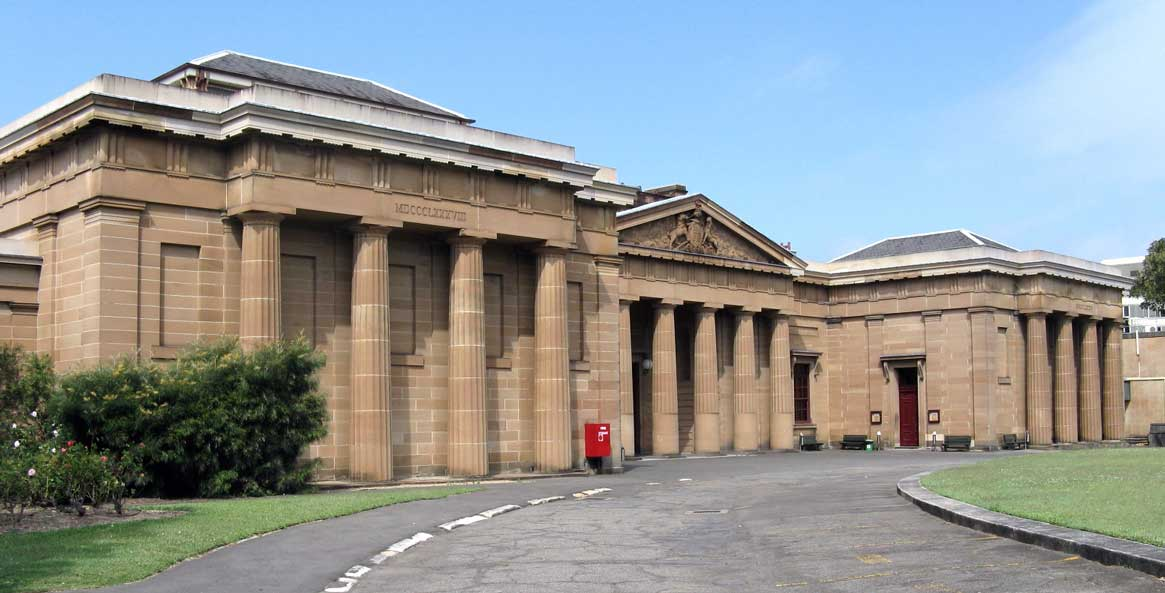 Darlinghurst courthouse central building opened 8 Feb 1842. Side-wings were added during the 1880s. Photo: Peter de Waal