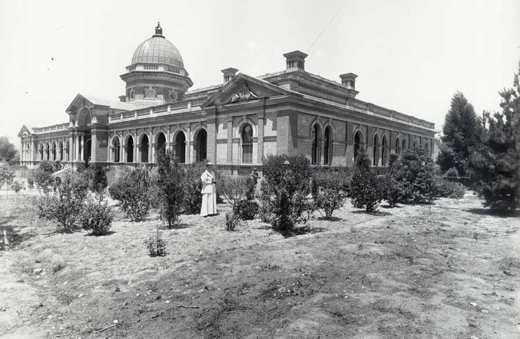 Goulburn courthouse, opened 14 Oct 1887. Photo ID: SRNSW 4481_ a026_ 000531.jpg